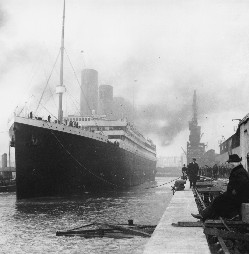 editedtitanic-in-dock.jpg