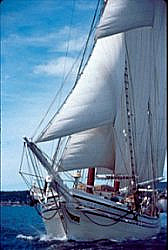 schooner3_small-hertiage-fixed.jpg