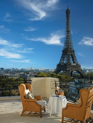 The view from a suite at Shangri-La Hotel, Paris