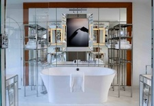 Bathroom in Junior Suite at Le Royal Monceau–Raffles Paris