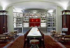 Le Bar Long at Le Royal Monceau–Raffles Paris