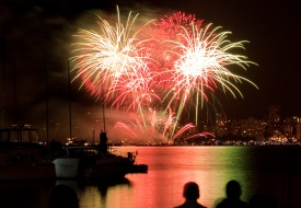 Vancouverfireworks_flickr_visions_of_domino_blog