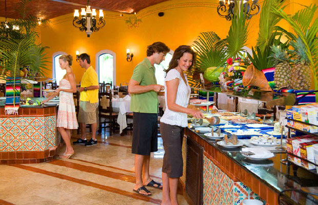 All-Inclusive Resorts Food