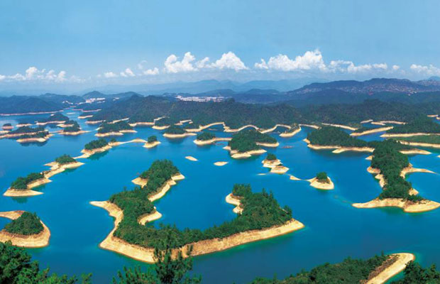 Thousand-islands-lake-china