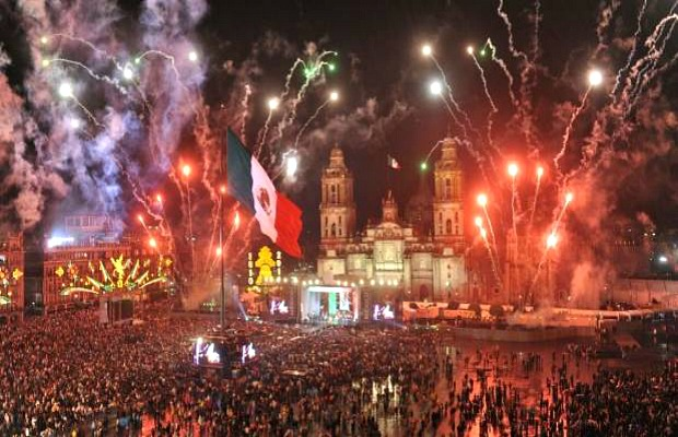 The Grito in Mexico, Zocalo