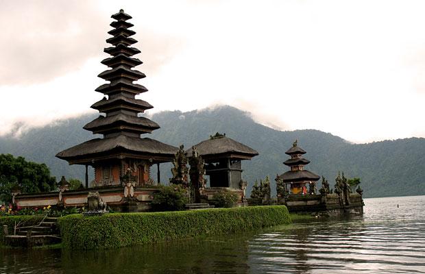 Bali-lake-bratan