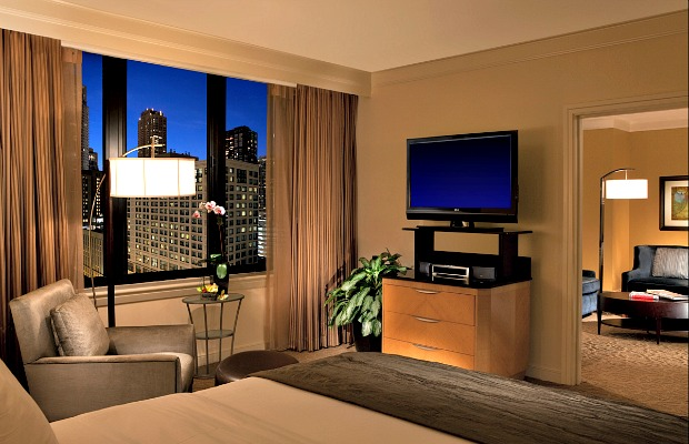 Conrad-chicago-deluxe-suite-620x400