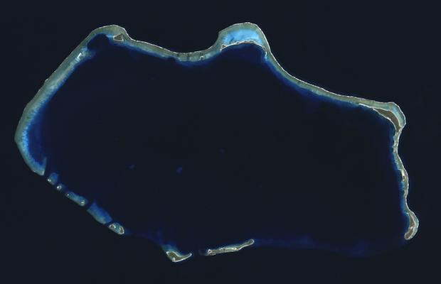 bikini atoll - NASA-USGS - 620