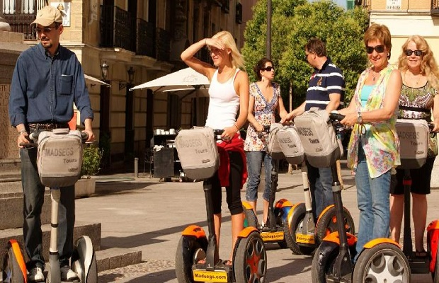 811_sightseeing_on_a_segway