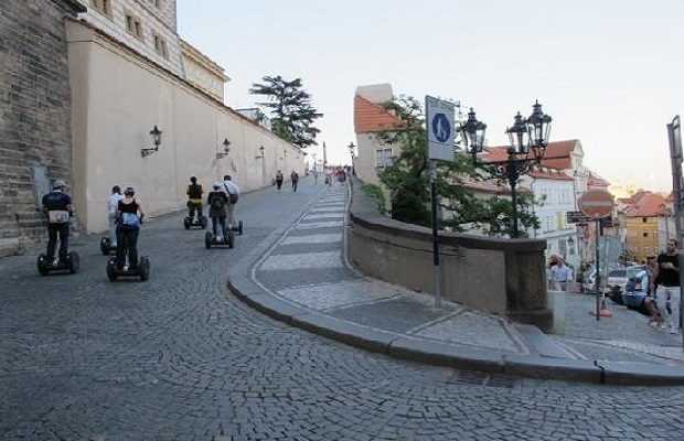 segway-to-the-castle