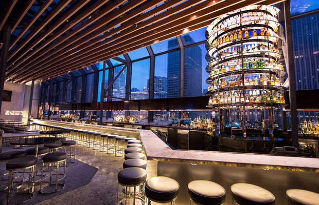 hyatt regency chicago -- big bar