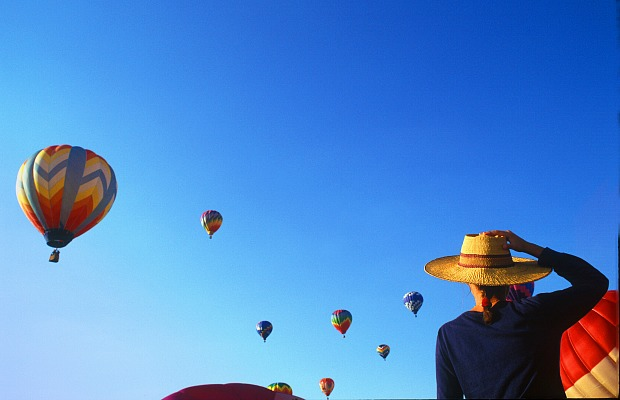 Hot-air-balloon-festival-bill-russ-visitnc.com_
