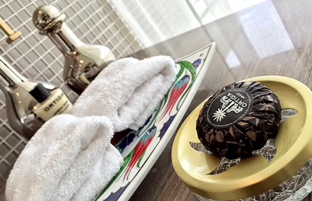 hotel toiletries, istanbul raffles, ortiga