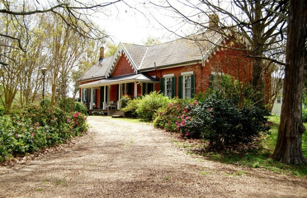 Bedandbreakfast.com-glenfield-plantation-historic-bed-and-breakfast-2-restored-civil-war-inns-with-summer-availability-from-95