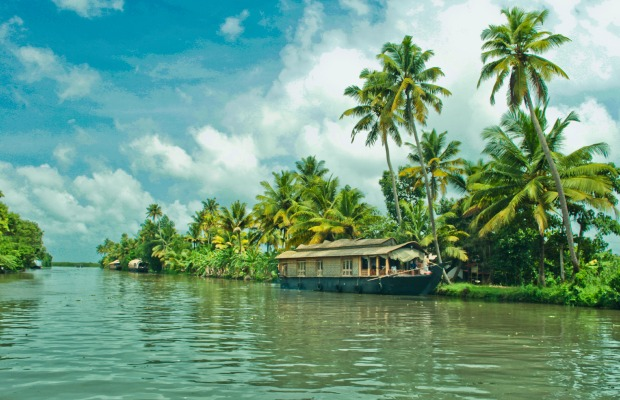 Flickr-sarath-kuchi-how-to-enjoy-luxury-for-less-in-kerala's-backwaters
