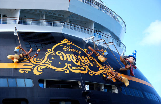 Disney Dream - Flickr_Robert Lafond
