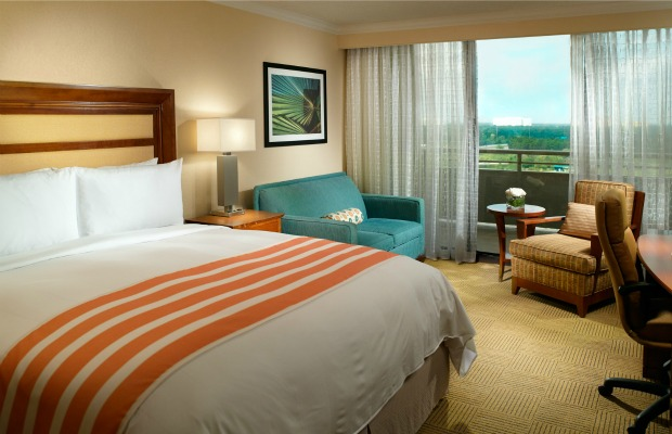 Guestroom at Orlando World Center Marriott