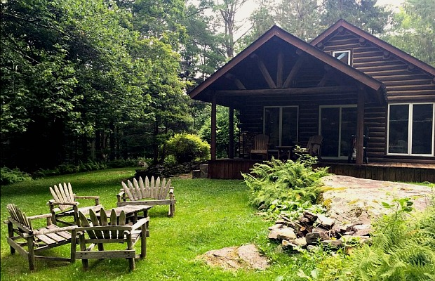 Blue Deer Cabin in the Catskills, New York