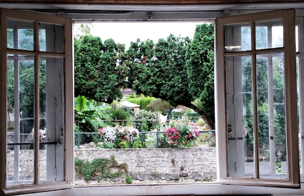 A view of a garden in Dole, France