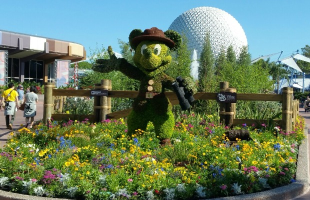 Mickey Mouse topiary at Epcot