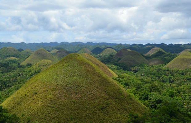 Chocolate-hills-flickr-shankar-s.