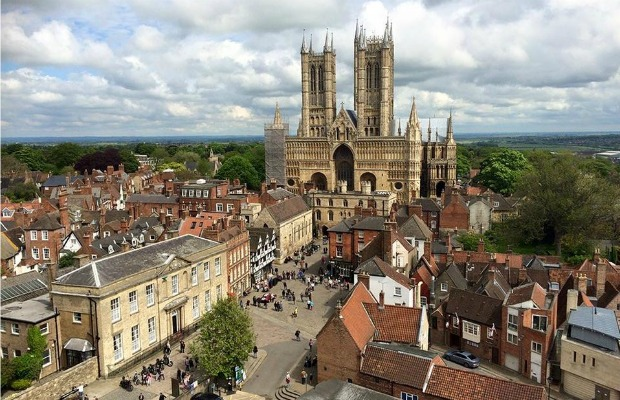 Lincoln-cathedral-facebook.com-visitlincoln