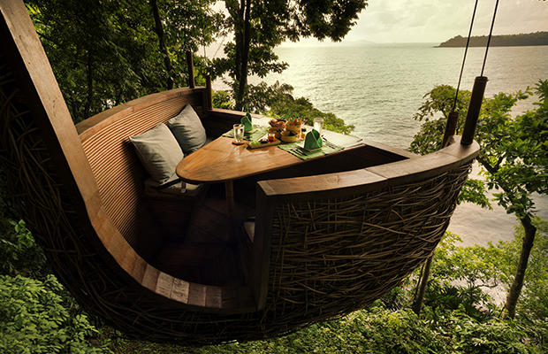 Tree pod dining, Soneva Kiri/Paul Raeside