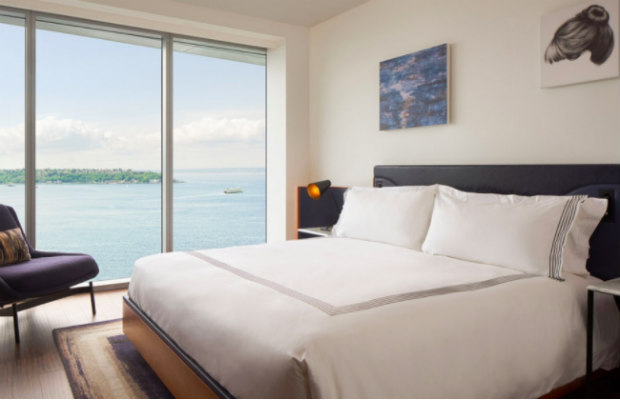 Thompson-seattle-water-view-deluxe-king