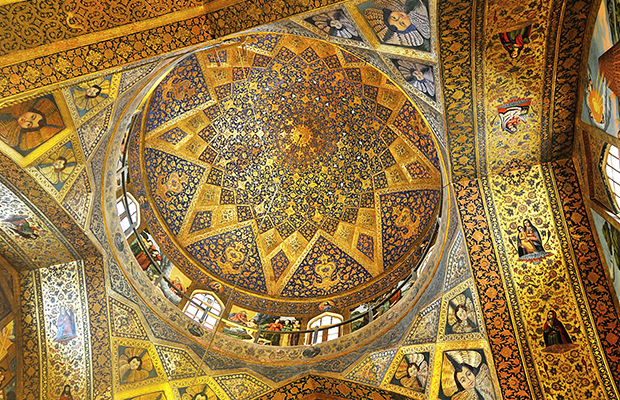 2015-10-25-iran-isfahan-armenian-vank-church-ceiling-ir5_9374