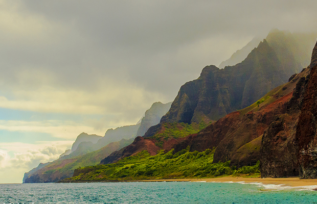 Main_na-pali-coast-kauai-flickr-n4rwhals