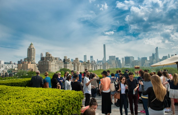 New York, Metropolitan Museum of Art Roof Garden, rooftop bar